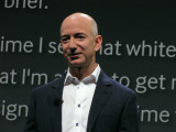 A relaxed Jeff Bezos at this year's event. Canon SX10 IS. #2717