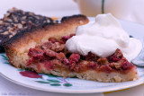 Mmm, rhubarbpie with whipped doublecream.