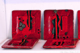 Red/black plates