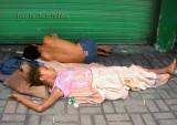 Los colombianos por tener sus ojos puestos sobre el celular no ven esta situacion