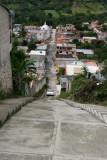 Calles Empinadas Caracterizan el Poblado (160 escalones)