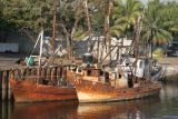 Barcos Abandonados Anclados en el Canal de Chiquimulilla