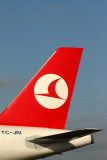 TURKISH AIRLINES AIRBUS A320 CDG RF IMG_5671.jpg