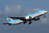 KOREAN AIR BOEING 777 200 SYD RF IMG_8884.jpg
