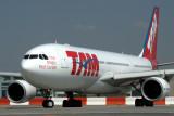 TAM AIRBUS A330 200 JFK RF IMG_7539.jpg