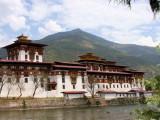 Punakha Dzong and the Mo Chhu