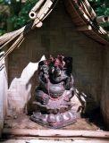 zeiss12_shrine.jpg