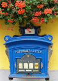 A  LOVELY OLD POSTBOX   782