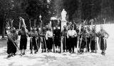 Les participants de Jeunesse et Montagne du raid à ski Urdos-Luchon de février 1942