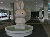 Tom Sachs : Miffy Fountain - 2008 ( Nijntje = Miffy in USA!)