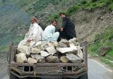 Racing with the tractor (Kaghan Valley) - P1280567.jpg