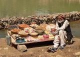 A dry fruit vendor at Lake Saiful Muluk - P1290277.jpg