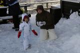 Fazendo bolinha de neve :)