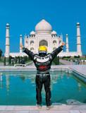 Emilio Scotto - Around the World on a Motorcycle - Dos Vueltas al Mundo consecutivas, en moto, Honda Gold Wing 1100.