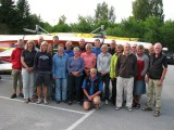 Båda lagen samlade med ledarna Anja, Anita ,Kjell och Peter