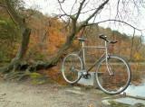 Vélo pignon fixe prenant la pause.