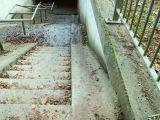 passage souterrain avec escaliers à Notre-Dame de Bonne-Odeur, Drève de la Chapelle - Kapeldreef.