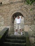 Ben_holds_up_wall.jpg