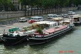 houseboats on the seine1.JPG