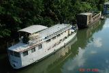 houseboats on the seine2.JPG