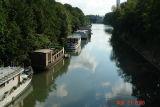 houseboats on the seine3.JPG