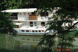 houseboats on the seine5.JPG