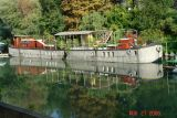 houseboats on the seine7.JPG