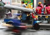 Fast moving traffic (not the Tuk Tuk)