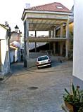 Pavimentaciones imitando el adoquin con muy aireada arquitectura