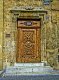 The doors of Cours Mirabeau have  the same class of noble ladies of the past...