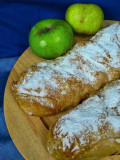 Apple strudels without flaws....