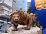 Lion statue, Av Jose Pardo, Miraflores