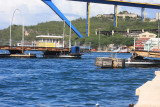 Pontoon bridge closing