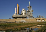 STS-116  approaches tower