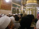 visiting the grave of mohamed pbuh.