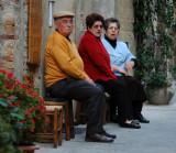 Pienza people watchers
