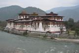 Punakha Dzong on the Mo Chhu