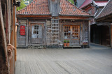 I'm visiting a little shop in Bryggen...Can you see me?