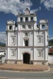 Fachada de la Iglesia Catolica de la Cabecera