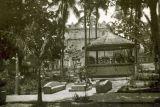 Parque Central, Kiosco Antiguo e Iglesia  al Fondo