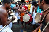 Heralding drums