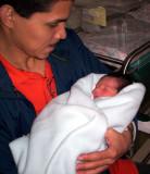 En los brazos de papi