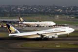 SINGAPORE AIRLINES BOEING 747 400 SYD RF IMG_9654.jpg