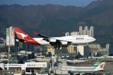 QANTAS BOEING 747 400 HKG RF 1113 29.jpg