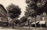 Le Boulevard, un Dimanche apres-midi
