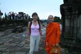Meeli & a monk on top of Phnom Bakhang