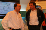 Sur la droite Lionel Lemonchois, skipper du trimaran ORMA Gitana 11 vainqueur de la Route du Rhum 2006