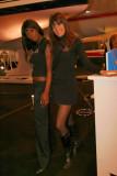 Sur le stand de la marque Dehler, j'ai fait la connaissance de deux mannequins très souriants !
