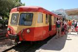 Arrivée à la gare de Calvi du petit train qui va de l'Ile Rousse à Calvi
