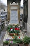 Dans le cimetière de Montparnasse - Tombe de Charles Baudelaire